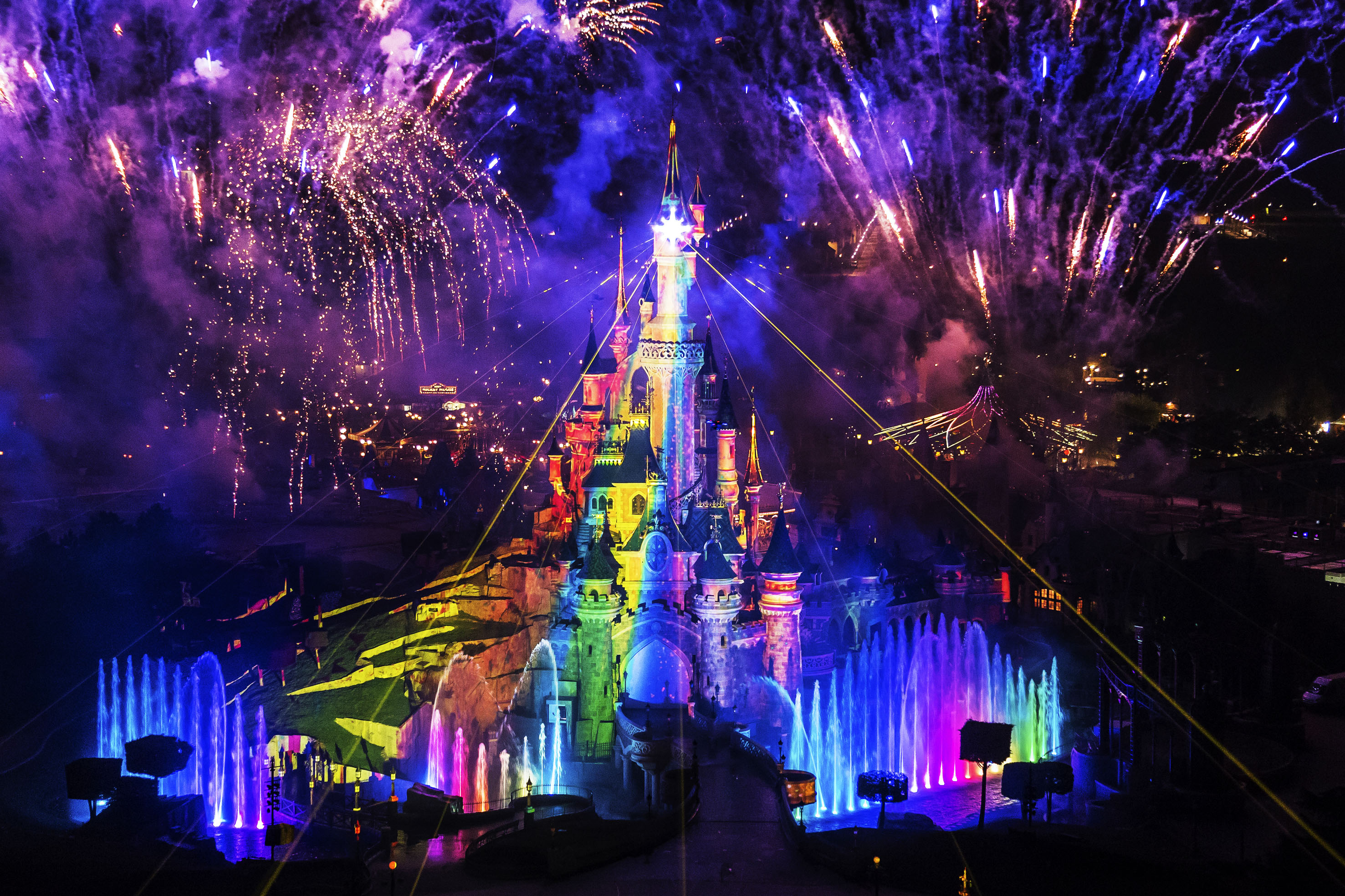 Disneyland Paris Disney Dreams spectacle night time show spectacular