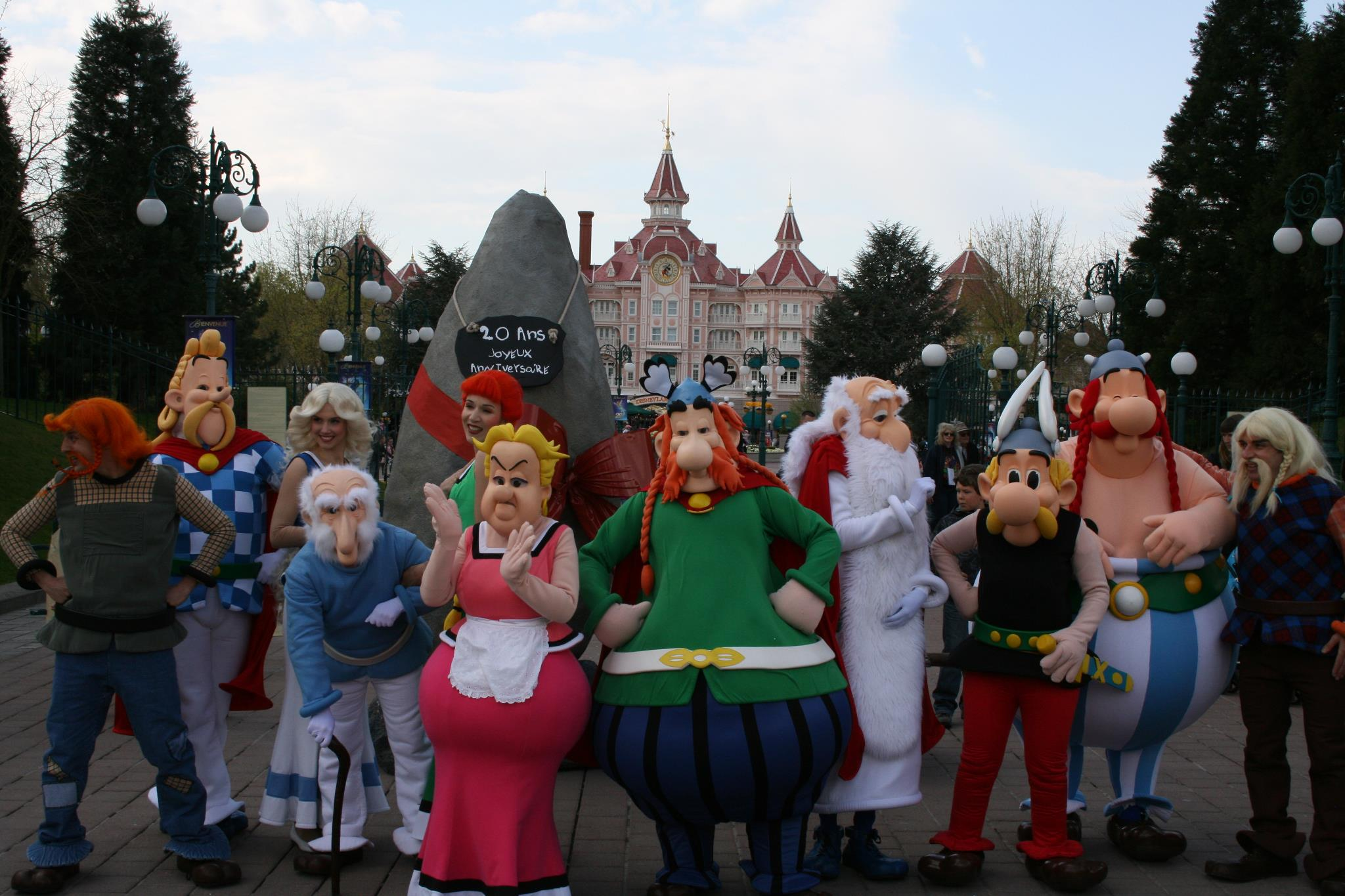 Parc Asterix Characters Wish Disneyland Paris A Happy Birthday