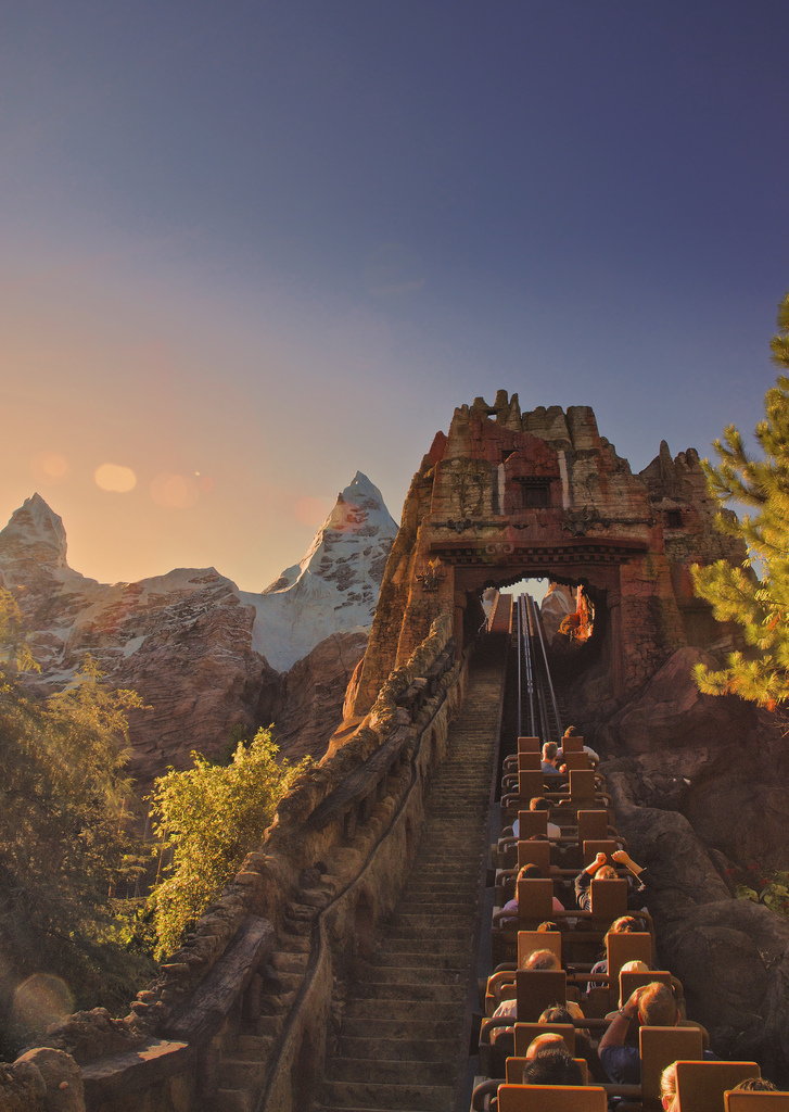 Disney animal kingdom expedition everest