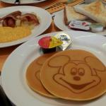 disneyland tokyo disney resort disneysea food snack japan 16
