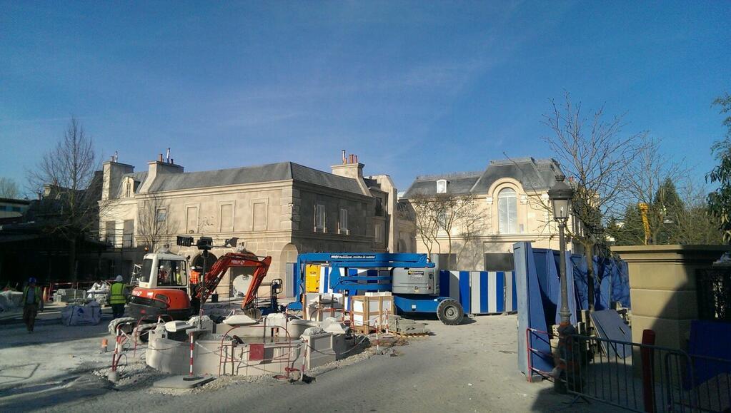 Attraction Ratatouille - The Ride - L Aventure Totalement Toquee de Remy construction Ride Walt Disney Studios Disneyland Paris 2014 Disney Pixar