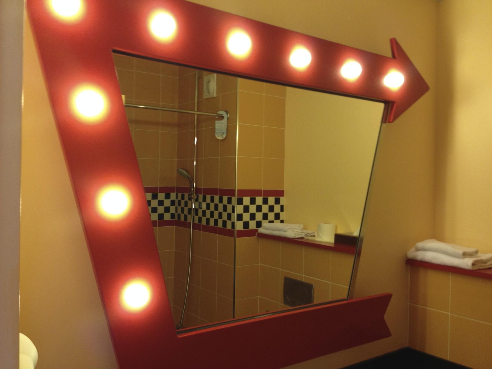 chambre hotel santa fe cars disneyland paris room le. Black Bedroom Furniture Sets. Home Design Ideas