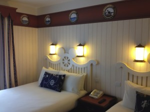 Chambre new port bay club hotel disneyland paris room le for Chambre hotel disney