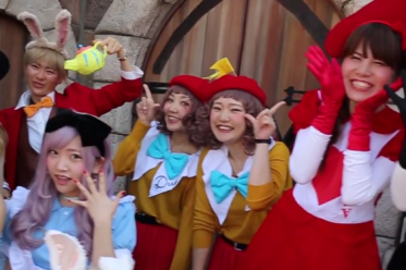 tokyo disney resort halloween cosplay