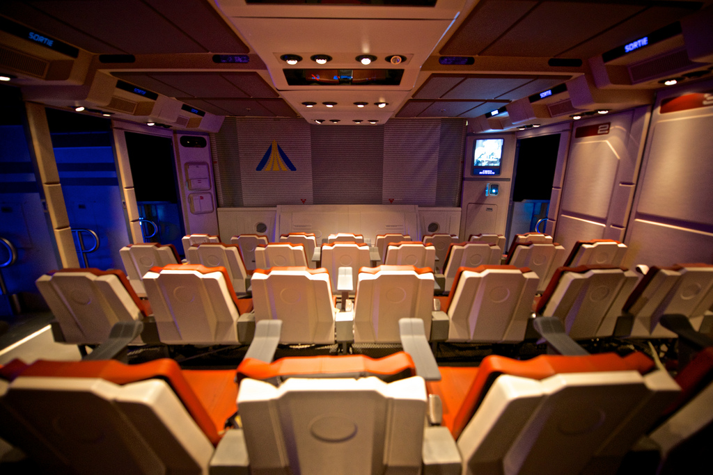 「star tours disneyland」の画像検索結果