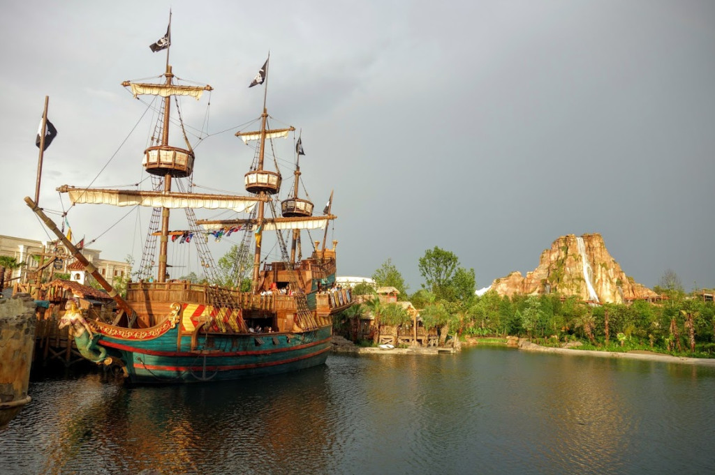 Shanghai Disneyland Treasure Cove Pirates of the Caribbean
