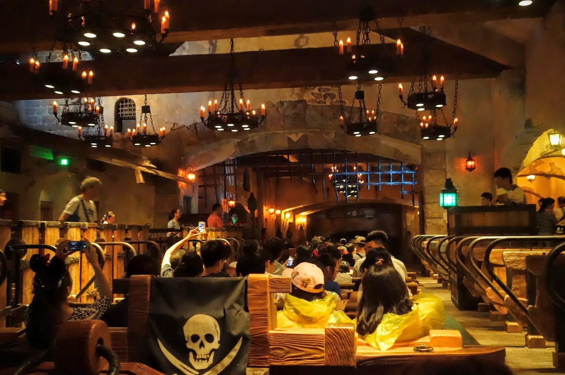 shanghai disneyland review tron pirates of the caribbean rides