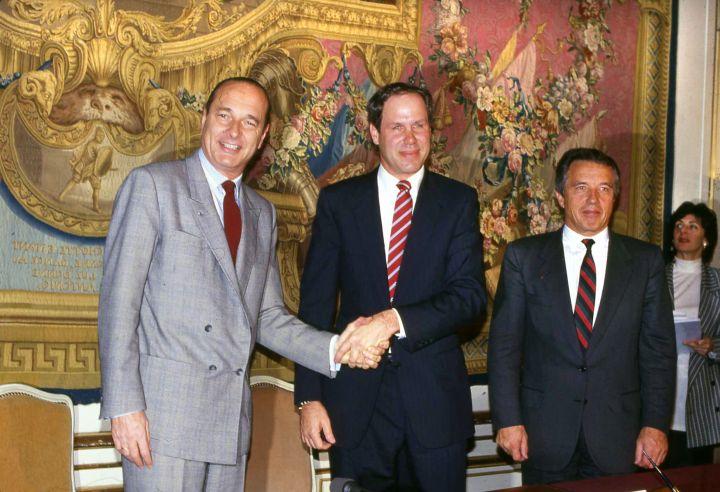 disneyland paris euro disney michael eisner jacques chirac france signature convention