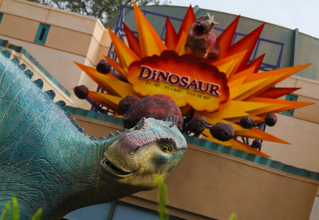 walt disney world disney's animal kingdom dinosaur