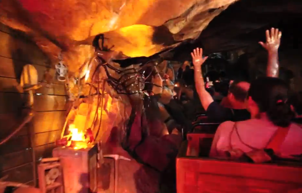 Big Thunder Mountain Railroad disneyland new special effects FX